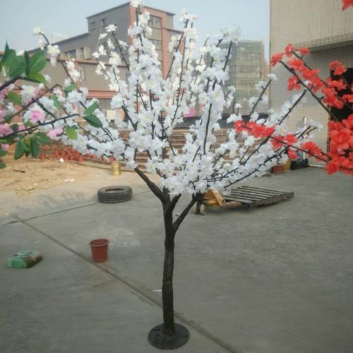 仿真树灯随着节能减排概念的逐渐普及