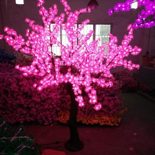 仿真植物灯称之为LED仿真植物墙或LED观赏树